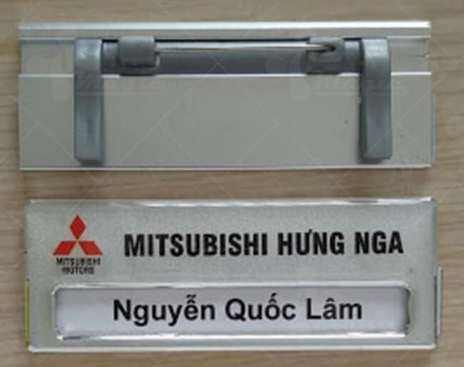Bảng tên cài áo bằng nhôm lĩnh vực kinh doanh xe